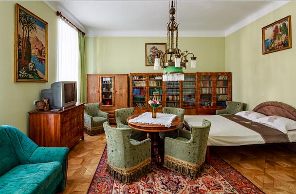 2-комнатная квартира посуточно в Львове. Галицкий район, ул. Валовая, 2. Фото 1