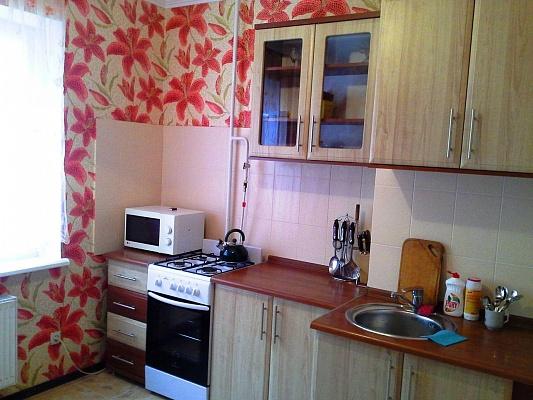 1-комнатная квартира посуточно в Симферополе. ул. Киевская, 122а. Фото 1