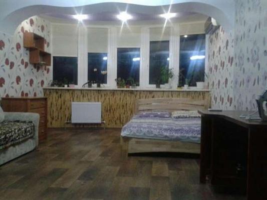 1-комнатная квартира посуточно в Южном. ул. Иванова, 22. Фото 1