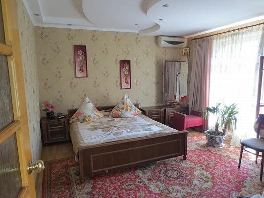 2-комнатная квартира посуточно в Одессе. ул. Левитана, 25. Фото 1