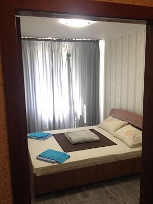 2-комнатная квартира посуточно в Сумах. Ковпаковский район, ул. Ильинская, 51-В. Фото 1