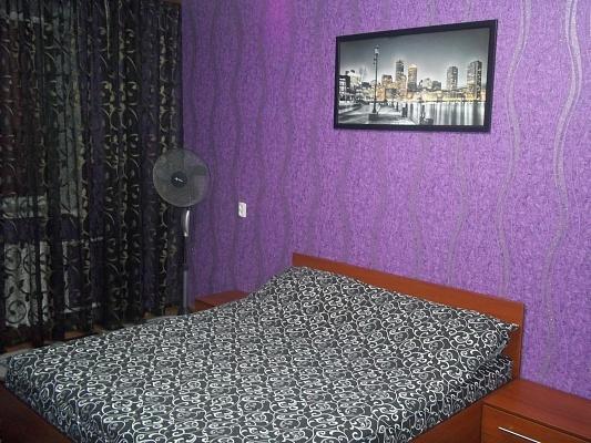 1-комнатная квартира посуточно в Ровно. ул. Макарова, 30. Фото 1