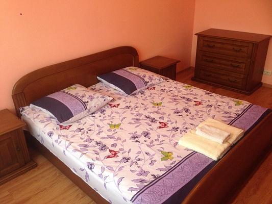 2-комнатная квартира посуточно в Ужгороде. ул. О. Хиры, 1. Фото 1
