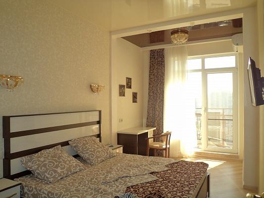 1-комнатная квартира посуточно в Одессе. Приморский район, Французский Бульвар, 60А. Фото 1
