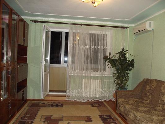 3-комнатная квартира посуточно в Южном. ул. Приморская, 11. Фото 1