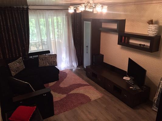 1-комнатная квартира посуточно в Ильичёвске. ул. Героев Сталинграда, 2. Фото 1