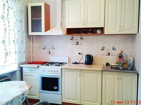 2-комнатная квартира посуточно в Одессе. Приморский район, ул. Сегедская, 8-А. Фото 1