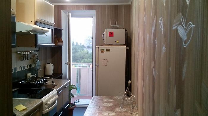 2-комнатная квартира посуточно в Южном. ул. Строителей, 7. Фото 1