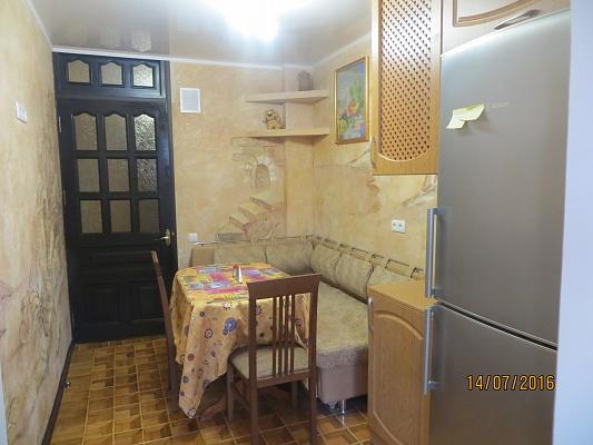2-комнатная квартира посуточно в Партените. ул. Победы, 11. Фото 1