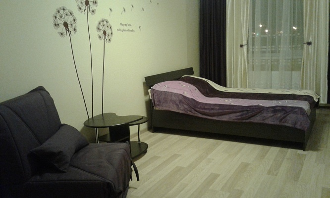 1-комнатная квартира посуточно в Одессе. ул. Архитекторская (ул. Жемчужная), 3. Фото 1