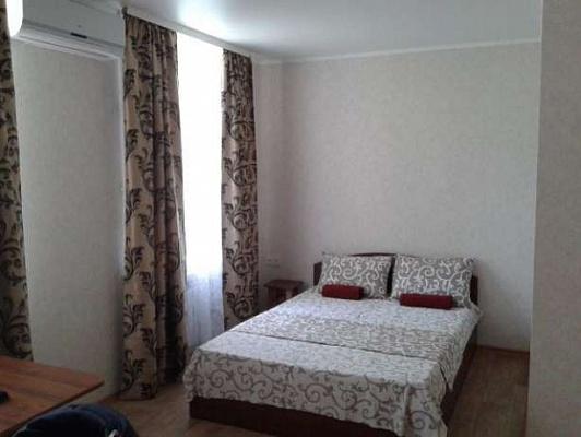 1-комнатная квартира посуточно в Белгороде-Днестровском. ул. Мира, 4. Фото 1