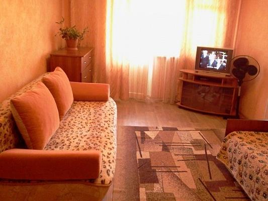 1-комнатная квартира посуточно в Евпатории. пр-т Победы, 15. Фото 1