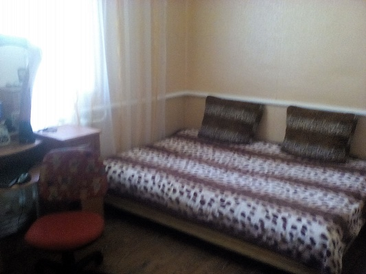 Дом  посуточно в Рыбаковке. ул. Молодёжная, 18. Фото 1