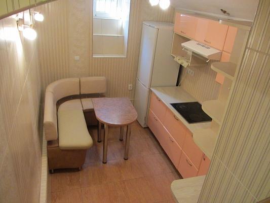 1-комнатная квартира посуточно в Львове. Шевченковский район, ул. Батуринская, 7. Фото 1