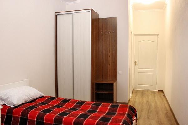 1-комнатная квартира посуточно в Каменце-Подольском. ул. Привокзальная, 22б. Фото 1