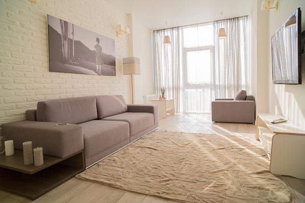 2-комнатная квартира посуточно в Одессе. Малиновский район, ул. Маршала Малиновского, 18а. Фото 1
