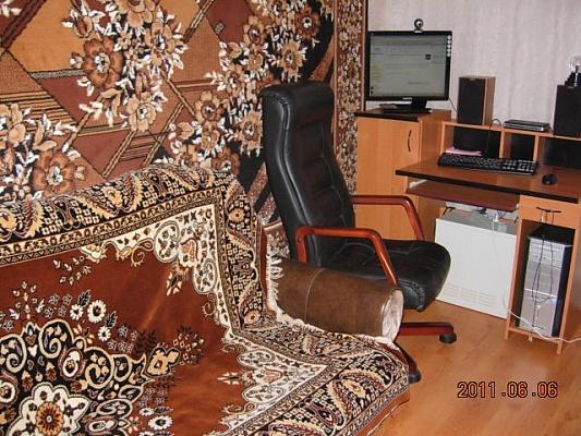 2-комнатная квартира посуточно в Бердянске. ул. Розы Люксембург, 7. Фото 1