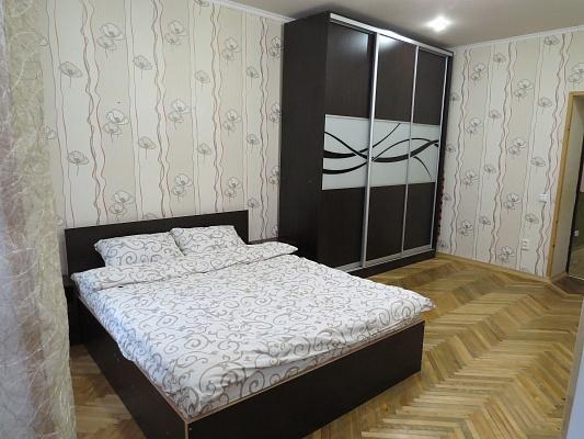 2-комнатная квартира посуточно в Львове. Галицкий район, ул. Богдана Хмельницкого, 32. Фото 1