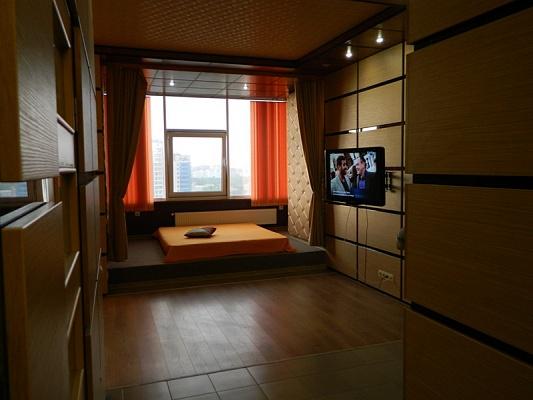 2-комнатная квартира посуточно в Одессе. Гагаринское Плато, 1Б. Фото 1