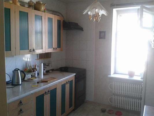 2-комнатная квартира посуточно в Днепродзержинске. пр-т Свободы (Ленина), 62. Фото 1