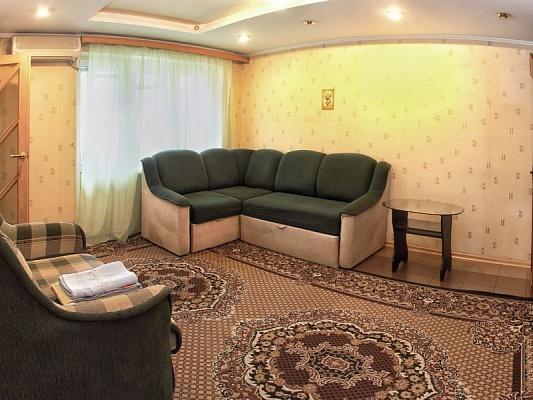 1-комнатная квартира посуточно в Донецке. Ворошиловский район, пл. Конституции, 4. Фото 1