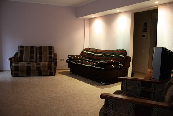 1-комнатная квартира посуточно в Севастополе. Гагаринский район, ул. Героев Бреста, 21. Фото 1