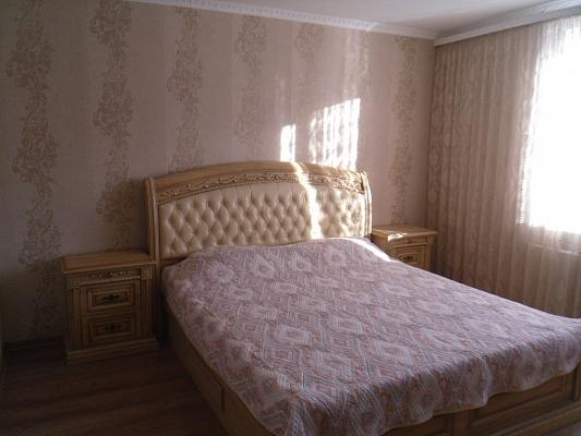 2-комнатная квартира посуточно в Симферополе. Киевский район, ул. Тургенева, 21. Фото 1