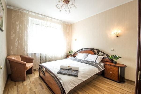 2-комнатная квартира посуточно в Харькове. Дзержинский район, ул. Новгородская, 8. Фото 1