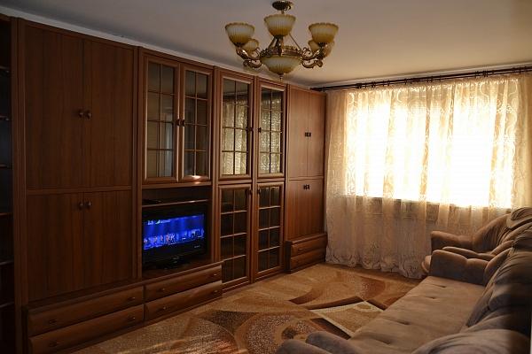 3-комнатная квартира посуточно в Саках. ул. Интернациональная, 41. Фото 1