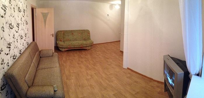 2-комнатная квартира посуточно в Одессе. Приморский район, пр-т Шевченко, 8\1. Фото 1