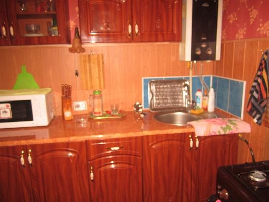 2-комнатная квартира посуточно в Артемовске. ул. Юбилейная, 22. Фото 1