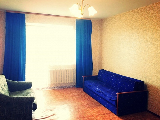 2-комнатная квартира посуточно в Буче. ул. Пушкинская, 59-Б. Фото 1