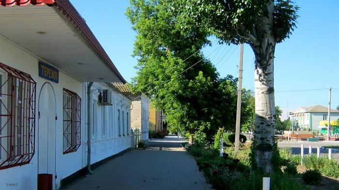 3-комнатная квартира посуточно в Геническе. пр-т Мира, 56. Фото 1