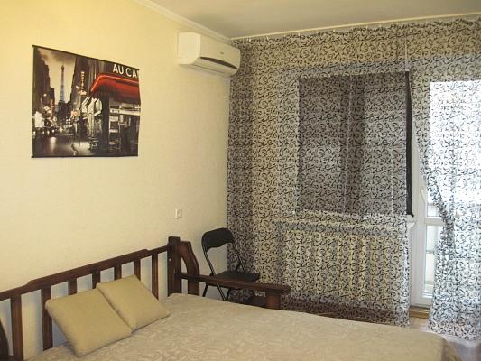 1-комнатная квартира посуточно в Одессе. пр-т Шевченко, 23а. Фото 1