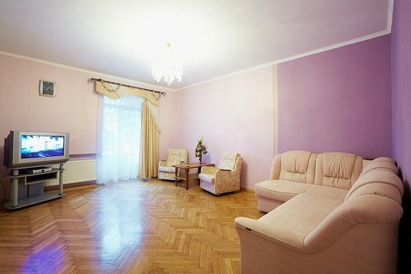 3-комнатная квартира посуточно в Львове. Франковский район, ул. Киевская, 26. Фото 1