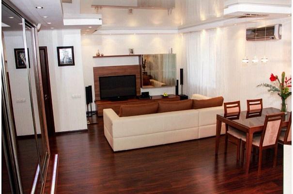 2-комнатная квартира посуточно в Львове. Галицкий район, ул. Городоцкая, 3. Фото 1