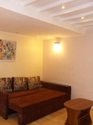 2-комнатная квартира посуточно в Одессе. Приморский район, ул. Пастера, 44. Фото 1