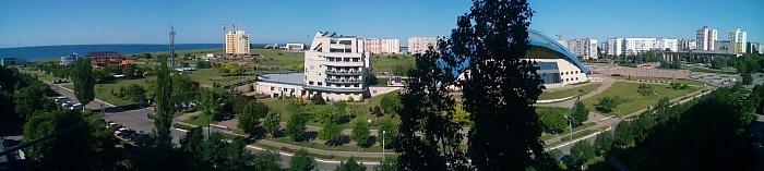 3-комнатная квартира посуточно в Южном. пр-т Григорьевского Десанта, 14. Фото 1