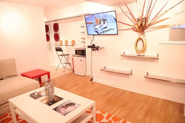 1-комнатная квартира посуточно в Киеве. ул. Верховинная, 41. Фото 1