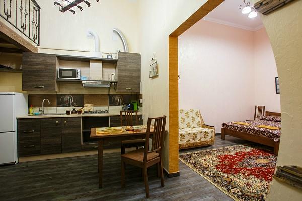 1-комнатная квартира посуточно в Львове. Галицкий район, ул. Ивана Огиенко, 18. Фото 1