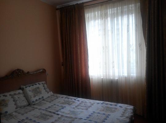 3-комнатная квартира посуточно в Кузнецовске. пр-т Победы, 9б. Фото 1