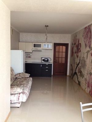 1-комнатная квартира посуточно в Одессе. Приморский район, ул. Кленовая, 2а. Фото 1