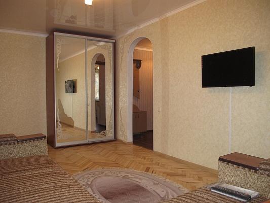 1-комнатная квартира посуточно в Мелитополе. пр-т Хмельницкого, 33. Фото 1