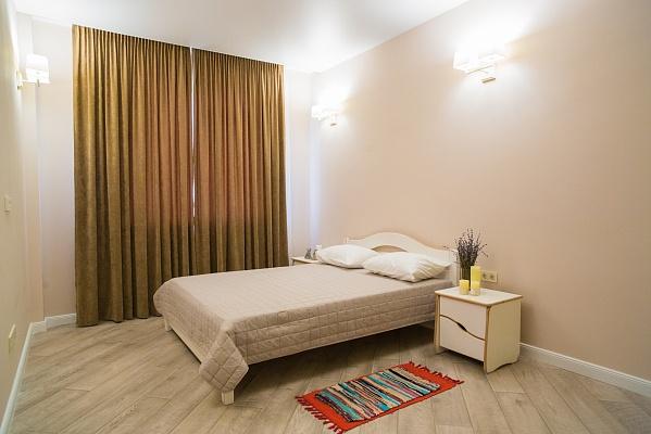 2-комнатная квартира посуточно в Одессе. ул. Маршала Малиновского, 18а. Фото 1