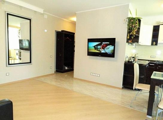 1-комнатная квартира посуточно в Одессе. ул. Новобереговая, 2. Фото 1
