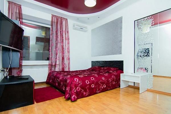 1-комнатная квартира посуточно в Харькове. Чернышевская, 3. Фото 1