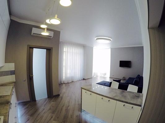 2-комнатная квартира посуточно в Одессе. Приморский район, Французский Бульвар, 60. Фото 1