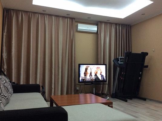 2-комнатная квартира посуточно в Одессе. Приморский район, ул. Пастера, 26. Фото 1