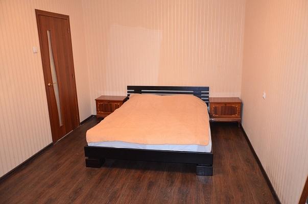 1-комнатная квартира посуточно в Чернигове. Деснянский район, ул. Доценко, 11. Фото 1