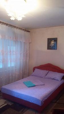 2-комнатная квартира посуточно в Запорожье. Жовтневый район, ул. Запорожская, 9. Фото 1